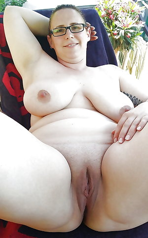 Chubby Goddesses (26) - Round at the right Places