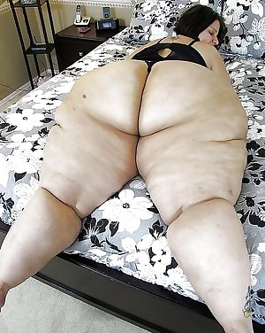 BIG Round & FAT Asses on the Bed! #2