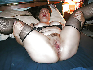 Mature bbw hairy pussy spread