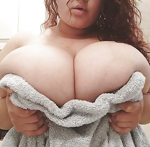 Non nude busty chubby bbw babes amatuer covering huge tits 7